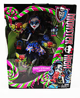 Кукла Монстер Хай Гулия Йелпс, Monster High Ghoulia Yelps