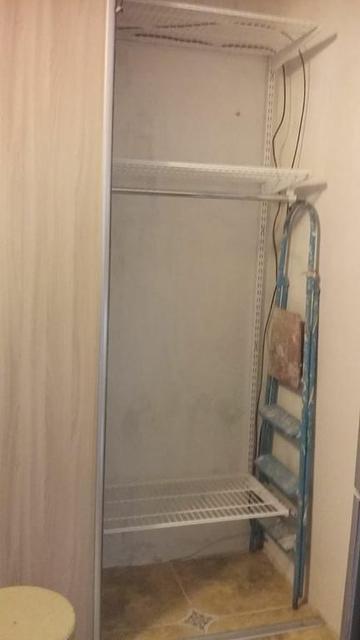 Гардеробная система в проеме с дверьми-купэ (двери не продаем) 22