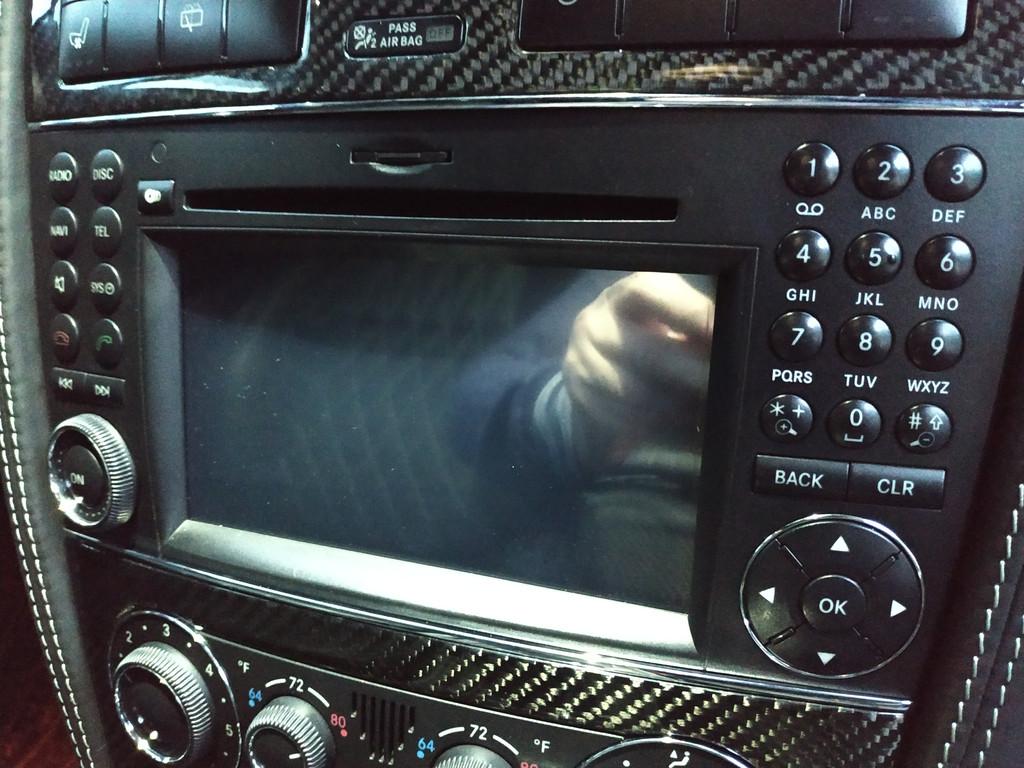 Установлен Android box для Mercedes benz AMG дополнительно инсталлирован сенсорный экран 2