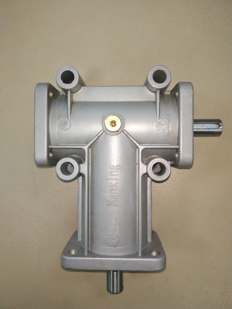 Редуктор привода клеевого вала и прижимных роликов для станков Filato 430/530/630, Nanxing MFB-60/600 series