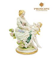 Фарфоровая статуэтка Материнство. Ручная работа, Италия.