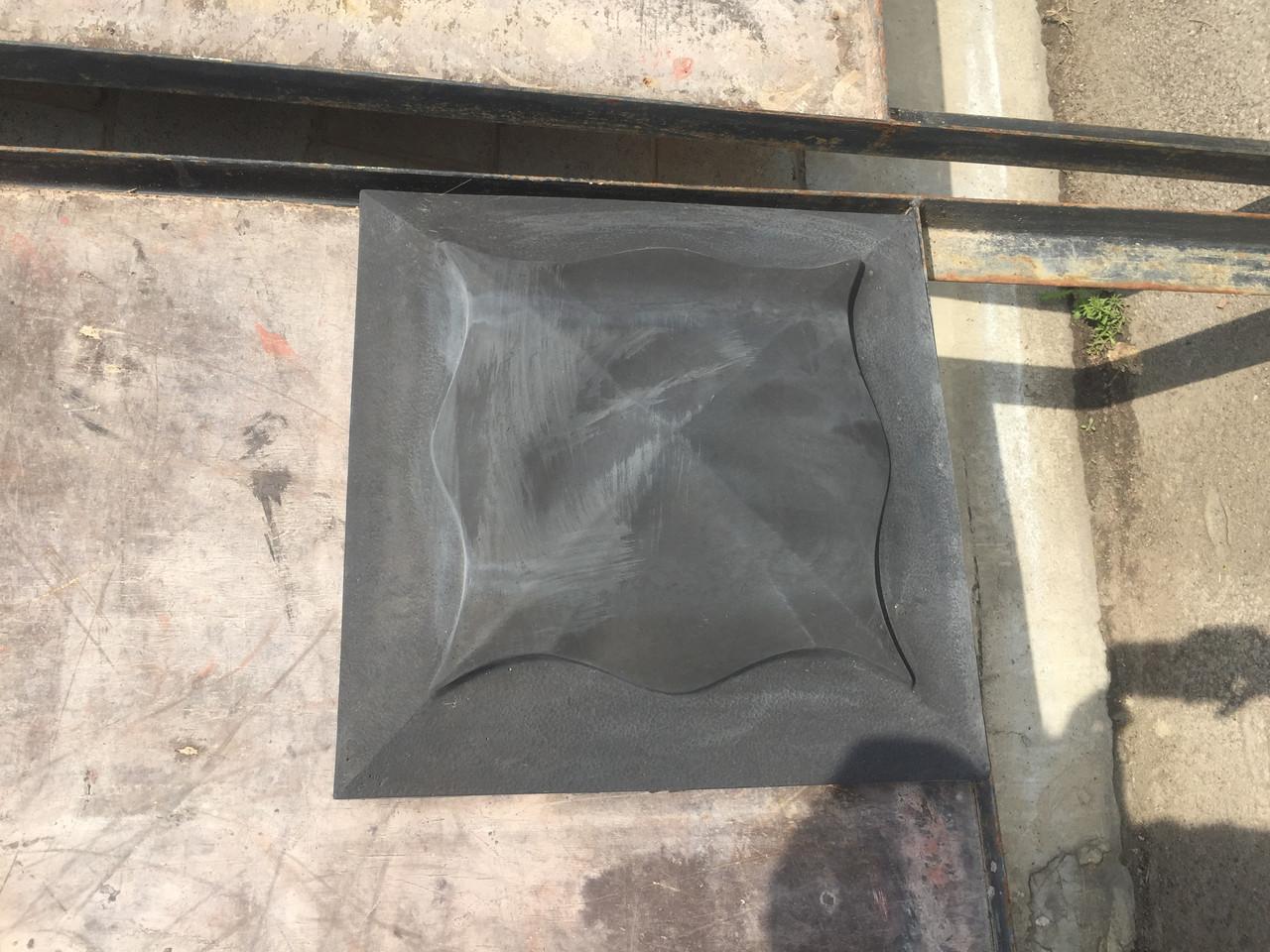 Накрывочный элемент на колонну Черного цвета